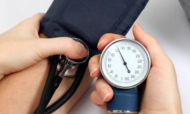 L'hypertension ou l'hypotension, les risques de complication sont les mêmes. - Tension artérielle et jeûne, quels risques pour la santé ? - LEMATiN.ma